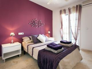 Lovely 2 bedroom Punta Prima Apartment with Internet Access - Punta Prima vacation rentals