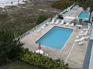 Still looking for a beach vacation in July - DIRECT BEACHFRONT! - Indian Rocks Beach vacation rentals