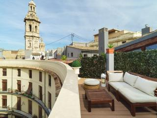 Lovely Penthouse with Dishwasher and Long Term Rentals Allowed (over 1 Month) - Valencia vacation rentals