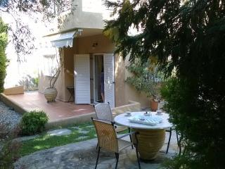 Villa Sofi Dream , near the beach and the center . - Saronida vacation rentals