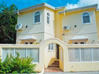 Beautiful Townhouse Style Villa - Holetown vacation rentals