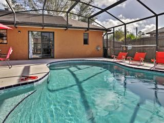 New Listing! Astonishing 3BR Kissimmee House w/Wifi, Private Enclosed Pool & Nice Backyard - Minutes to Major Theme Parks, Gatorland, Fun Spot, Shopping, Restaurants & Much More! - Poinciana vacation rentals