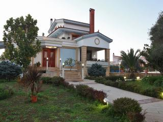 Villa with pool in Chania, Crete - Perivolia vacation rentals