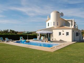 Luxury 4 bedroom villa in Albufeira, Algarve - Ferreiras vacation rentals