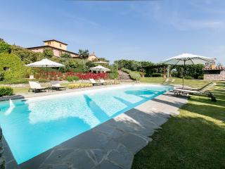 8 bedroom Villa with Internet Access in Bettolle - Bettolle vacation rentals
