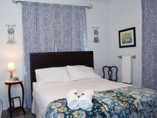 Nice B&B rooms near Gozalandia, explore the West! - Rincon vacation rentals