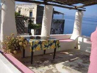 Casa Ciocchiti nelle Eolie - Ginostra Stromboli - Ginostra vacation rentals