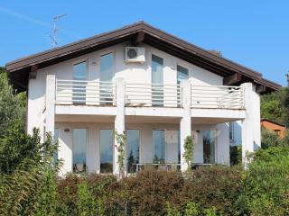 7 bedroom Villa with Television in San Felice del Benaco - San Felice del Benaco vacation rentals