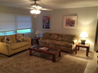 Gorgeous home in the heart of Cape Coral - Cape Coral vacation rentals