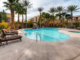 Impressive 2BR Las Vegas Apartment Home in Resort-Style Community w/Wifi, Private Patio & Pool/Hot Tub Access – Close to the Strip, Golf Courses, Shopping & More! - Las Vegas vacation rentals