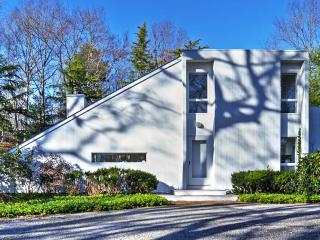 New Listing! Contemporary 3BR East Hampton House w/Wifi, Multiple Balconies & Private Outdoor Pool - On a Beautifully Landscaped 1-Acre Plot of Land! 10 Minutes from Main Beach! - East Hampton vacation rentals