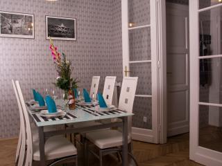 Spacious & sunny 3BDR balcony apartment - Budapest vacation rentals