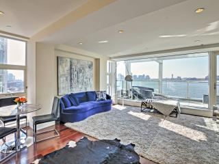 New Listing! Luxurious 2BR New York City Apartment w/Private Jacuzzi, Large Balcony & Breathtaking Hudson River/City Views - Unbeatable West Village Location! Minutes from Everything! - New York City vacation rentals