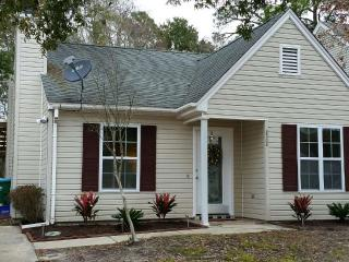 Charming House with A/C and Satellite Or Cable TV - Biloxi vacation rentals