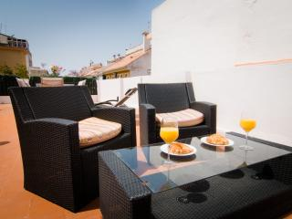 2 bedrooms penthouse with terrace - Fuengirola centre and 200 mts from beach - World vacation rentals