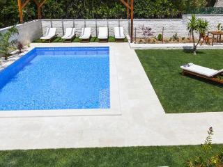 Nice Villa with Internet Access and Wireless Internet - Bol vacation rentals