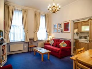 A comfortable one-bedroom flat in the City. - London vacation rentals