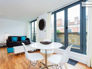 A stylish one-bedroom flat on Hoxton Square. - London vacation rentals