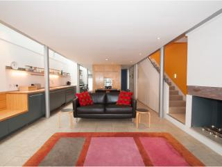 Veeve - The Ultimate House - London vacation rentals