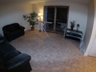 Inner City, Cls U of C, Downtown, SAIT, $40/room/n - Calgary vacation rentals