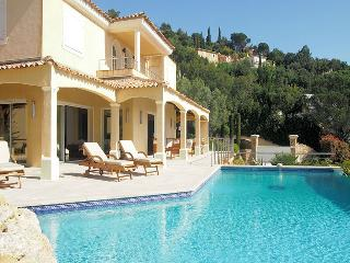 Ste-Maxime Var, superb villa 10p. breath-taking views over the Gulf of Saint-Tropez - Saint-Maxime vacation rentals