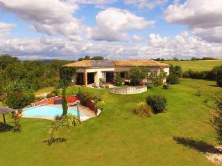 Villa Magarre Piscine Chauffée & Spa - Tarn vacation rentals