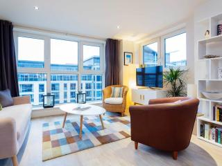 Veeve - Sky High Riverside - London vacation rentals