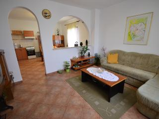 House apartment for 4+2 people near city centar - Pula vacation rentals
