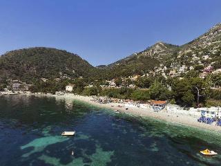 Eze mer 4 BD rooftop terrace sea & mountain views - Eze vacation rentals