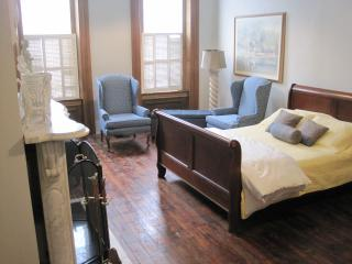 2 BR Historic Charm Fully Equipped Downtown - Pittsburgh vacation rentals