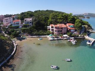 TH02805 Apartment Veliki / Two bedrooms A4 - Supetarska Draga vacation rentals