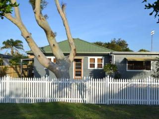 Toowoon Bay Cottage - Central Coast, NSW Australia - Toowoon Bay vacation rentals