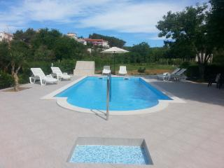 TH02810 Apartment Žentil / YELLOW GREEN Two bedrooms A3 - Rab vacation rentals