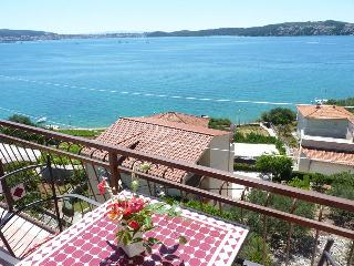TH01906 Apartments Tomi&Ivana / One bedroom A1 - Seget Donji vacation rentals