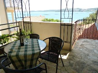 TH01906 Apartments Tomi&Ivana / One bedroom A4 - Seget Donji vacation rentals
