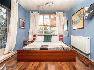 Veeve - Petite West - London vacation rentals