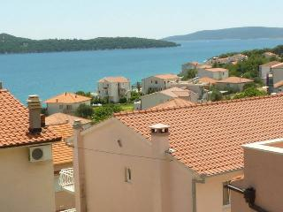 TH01906 Apartments Tomi&Ivana / One bedroom A8 - Seget Donji vacation rentals