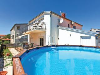 TH01016 Holiday House Bosaz K1 - Pula vacation rentals
