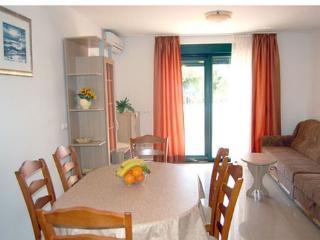 TH03453 Apartments Jelena/Two Bedroom Apartment A1 - Promajna vacation rentals