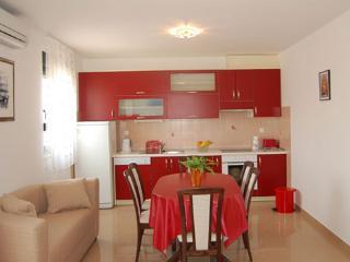 TH03453 Apartments Jelena/Two Bedroom Apartment A2 - Promajna vacation rentals