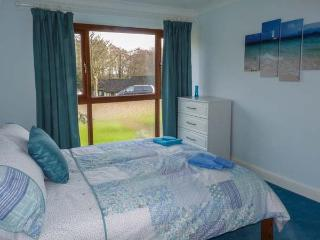 KERITH COTTAGE, all ground floor, shared fishing lake and outdoor pool, in - Pevensey vacation rentals