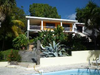 Nice Studio with Internet Access and Shared Outdoor Pool - Basse-terre vacation rentals