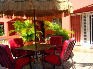VACATION HOUSE in secluded tropical setting - Rio Grande vacation rentals