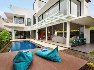Nusa Dua Hill Villa (3bedroom) - Ungasan vacation rentals