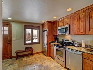 5 bedroom House with Deck in Blue River - Blue River vacation rentals