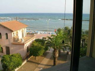 bilocale panoramicissimo al centro del lungomare - Santa Marinella vacation rentals