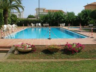 panoramico appartamento, accesso diretto al mare - Santa Marinella vacation rentals