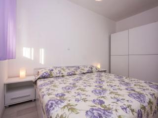 TH00583 Apartments Vinka / Two bedrooms A2 - Brodarica vacation rentals