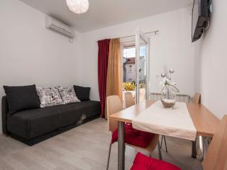 TH00583 Apartments Vinka / One bedroom A1 - Brodarica vacation rentals