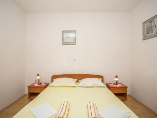 TH00748 Apartments Nuic / Studio apartment A3 - Makarska vacation rentals